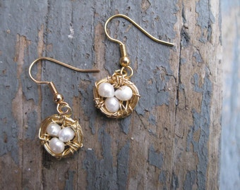 Gold Bird Nest Earrings with Freshwater Pearls / Gold Birds Nest Earrings / Bird Nest with Pearl Eggs / Mother's Day Jewelry