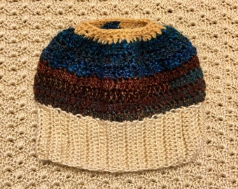 Ponytail / Messy bun crochet hat