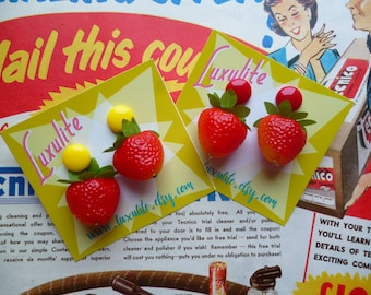 Summer strawberries! Handmade 40s 50s vintage inspired novelty pinup strawberry earrings by Luxulite
