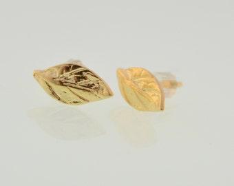 leaf stud earrings,gold leaf earrings,stud earrings,leaf earrings,gold earrings,leaf jewelry ,
