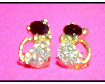 Adorable Kitty Cat Rhinestone Post Stud Pierced Earrings