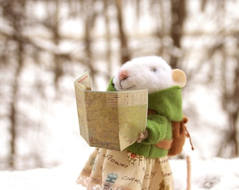 needle felted girl traveler mouse with map and bag, tourist mouse, discoverer, felted mouse,  felt mouse, mouse with bag, eco toy, felt mice