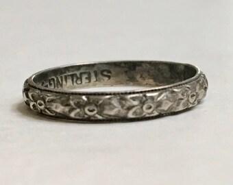 vintage uncas:  a sterling floral band, size 5