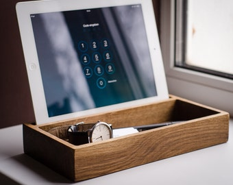 docking station DOCK#342 handmade. oak. engraved. charging station. desk organizer. dock station. iPhone. iPad. gift. gift for him