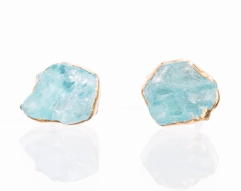 Raw Apatite Earring, Raw Crystal Earrings, Rough Gemstone Earrings, Blue Stud Earrings, Raw Stud Earrings, Rough Crystal Studs, Raw Studs