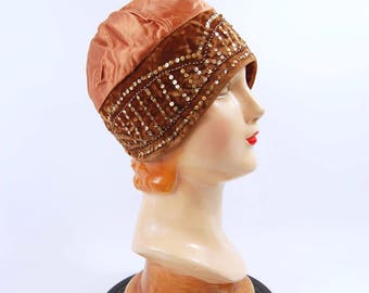 1920s Flapper Cloche // Copper and Brown Beaded Sequins Flapper Hat // Brown 20s Hat - Gatsby Skull Cap Brimless