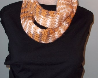 Chunky Knit Infinity Scarf, Caramel Infinity Scarf, Womans Knit Scarf, Brown Tan and White Scarf, Neck warmer, Knit Loop Scarf, Chunky Knit