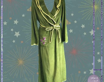 Ruffle Olive 70's Robe