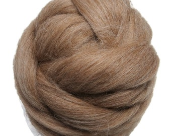 Baby Alpaca wool roving Light Fawn