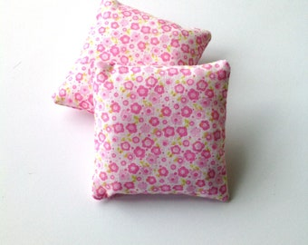 Set of two pink miniature throw pillows, Romantic floral mini pillows 1:6 scale, Dollhouse cushions, pink flowers fashion doll decor ma17