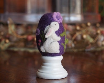 Easter Egg / Needle Felted Egg / Spring Ornament / Wool Felt Egg with Bunny and Flowers / Miniature Sculpture