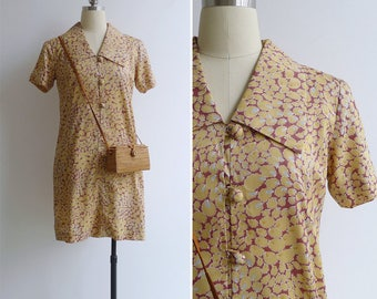 Vintage 70's 'Dew Drops' Mod Collared Pink Shift Dress S or M