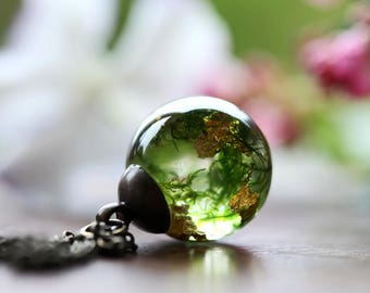 Green moss necklace, real plant jewellery, woodland moss terrarium pendant, for her, botanical necklace, resin jewellery made in Ireland #B5