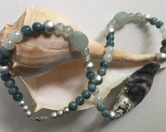 Natural Oyster shell, Shell necklace, Sea shell jewelry, Beach jewelry, Mermaid necklace, Beach Lover's necklace, Ocean Jewelry