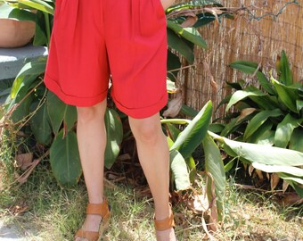 HIGH WAISTED SHORTS // Vintage Pleated Shorts // Dress Shorts // Red