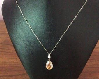 Swarovski teardrop Pendant necklace, teardrop, necklace, Swarovski, Made in Canada, Laska Boutique, jewelry