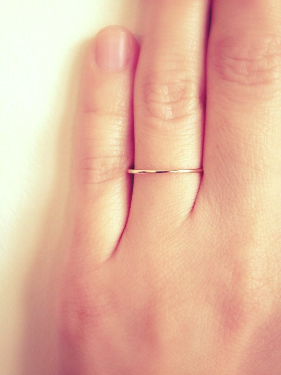 Sale. 1mm band ring. Free Shipping. 14K SOLID gold. Thin