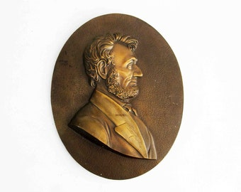 Vintage Abraham Lincoln Bronze Plaque Wall Hanging. Circa 1960's.