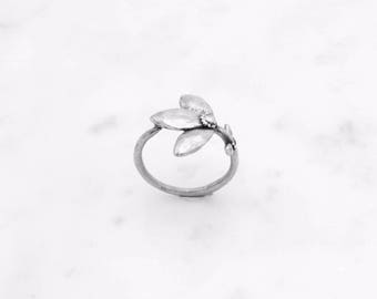 Flower Stem ring - silver