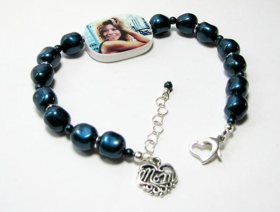 Custom Pearl Bracelet with Sterling Mom Charm - P2RaB3