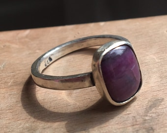 Ahoy! Sterling silver ring with square violet stone