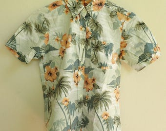 Hawaii shirt / green Hawaiian top / floral summer short sleeves top