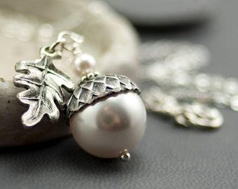 Leaf Necklace Bridesmaid Necklace. Oak Leaf Acorn Necklace with White Swarovski Pearl - Woodland Wedding Jewellery - Pendant Necklace