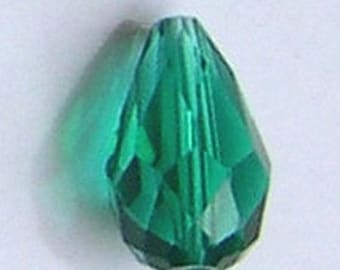 Nacklace with 2 drops 18 x 12 MM emerald green Crystal beads
