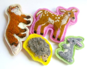 Forest Friends: Felted Wool Woodland Play Set with Fox, Deer, Hedgehog and Rabbit (4 Pieces) (All Natural, Waldorf Inspired Toys)