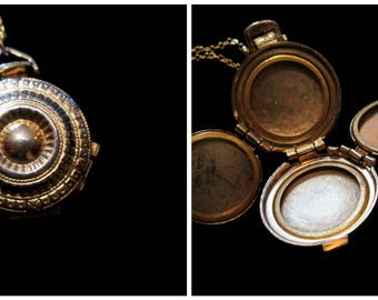 Concentric  Relief - Vintage 4 Picture Locket Necklace