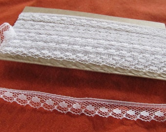 """vintage nylon WHITE SCALLOPED LACE - 1/2"""" wide -just over 4 yards (148 inches)"""