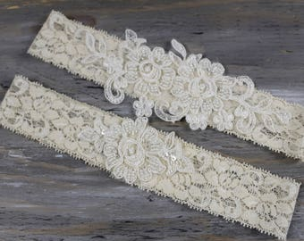 d6bcbeb6550 Wedding Garter Set Bridal Garter Ivory Garter Weddings Lace Garter Garter  Bridal Accessories Garters Keepsake Garter