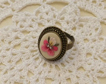 VP7 Vintage pansy ring