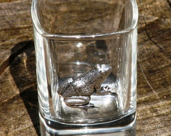 Pair of Frog Shot Glasses Crystal with Pewter Motifs