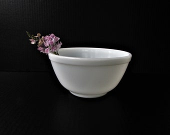 One Pyrex Mixing Bowl - Solid White Bowl - Classic Kitchen - Oven Proof - Milk Glass Mixing Bowl - White Pyrex Mixing Bowl -