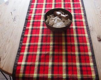 Table Runner checkered fabric « Massaï»