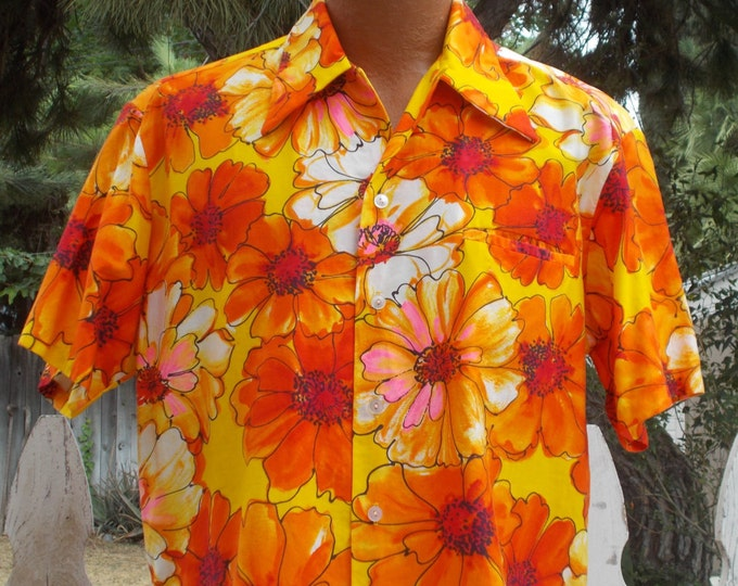 Vintage 70s Mark Christopher Hawaiian Tiki Aloha Shirt Orange White Cotton Floral Flower Mens Short Sleeve Shirt