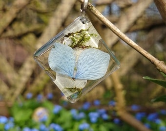 Clear resin pendant, pressed blossom, blue hydrangea and moss jewelry, Fairy jewelry, flower petal, Hortensie