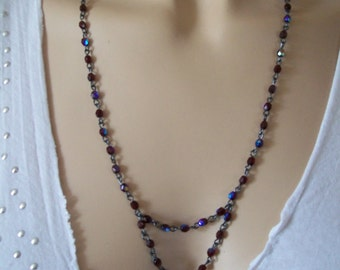 set with iridescent glass bead