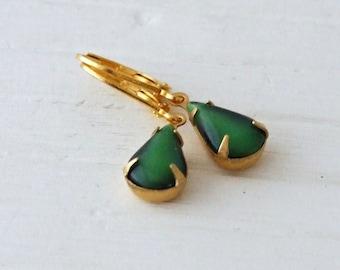 Emerald Green Earrings .. small earrings, teardrop earrings, green dangle earrings, vintage glass earrings