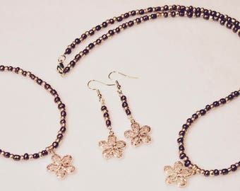 Gold Daisy Necklace, Bracelet, and Earring Set