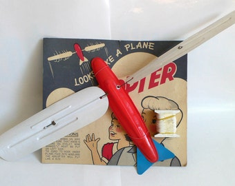 Vintage AIRCOPTER Flyer Flying Beach Kite Toy NMOC 1960's