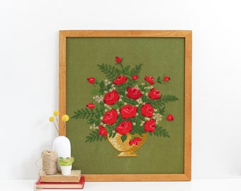Large Vintage Crewel Embroidery / Retro Flowers Needlework Wall Hanging / Framed Crewel Embroidery / Framed Floral Crewel Embroidery