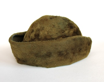 Vintage 1950s/1960s Womens Olive Green Shearling Fur Bumper Hat Size 22