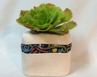 Small inlayed planter - red