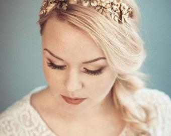 Gold bridal headpiece - Golden floral tiara - Bridal headband - Bridal hair accessories - Wedding headband