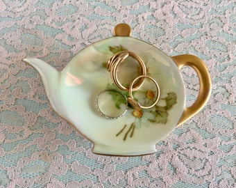 Tiny teapot shaped ring dish Vintage trinket dish cute little dish