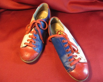 Retro Woman's Bowling Shoe Size 5, Red White and Blue Bowling Used Bowling Shoe, Bobwolf Sporting Shoe, Bowling Rental Shoe From 1970's