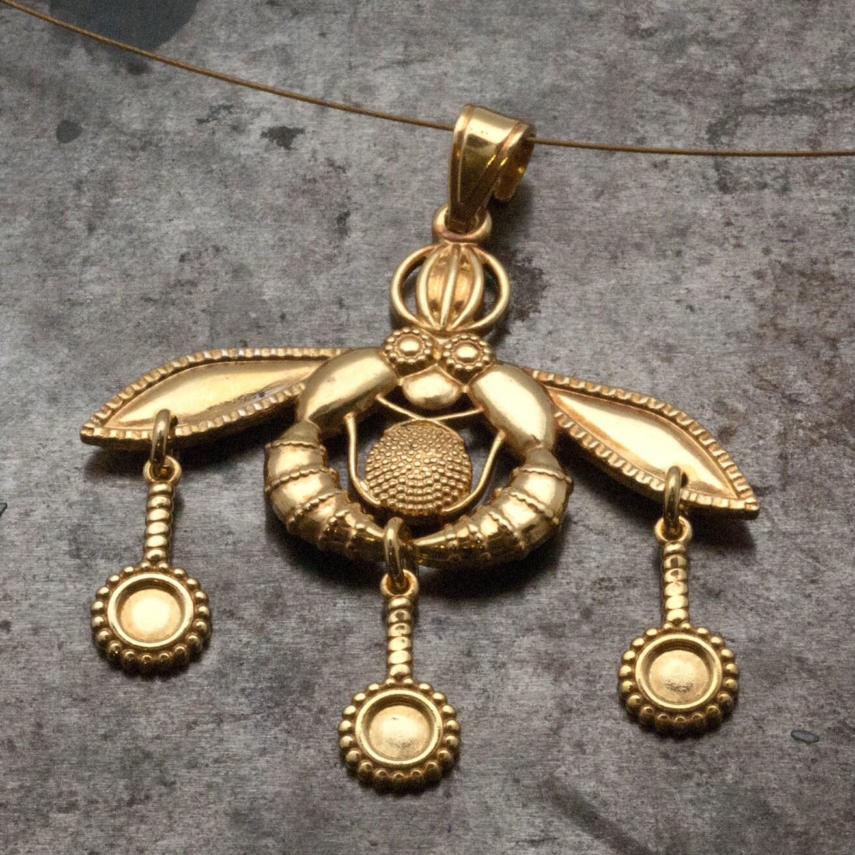 Gold Greek Necklace Bees Pendant Ancient Minoan Cretan