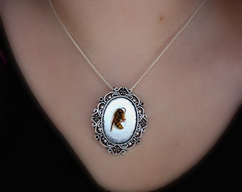 REAL WASP NECKLACE
